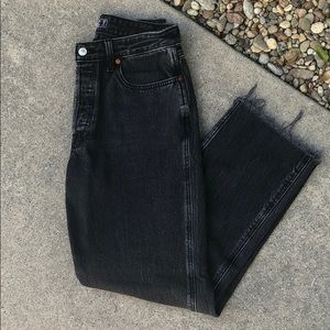 Abercrombie & Fitch Black Ankle Jeans - Size 29